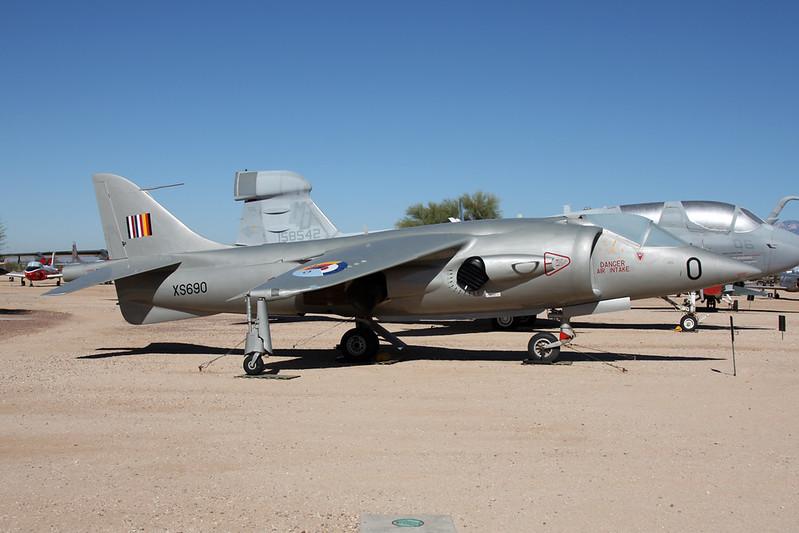 64-18264 (0/XX690)  Hawker-Siddley XV-6A Kestrel c/n XS690 Pima/14-11-16