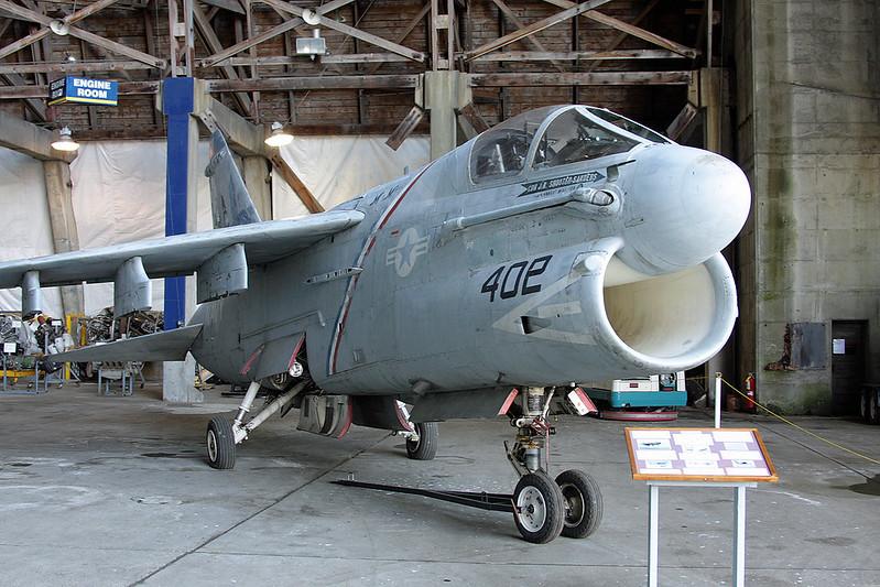 158819 (AC-401) Ling-Temco-Vought A-7E Corsair II c/n E-375 Tillamook/KTMK/TMK 09-05-09