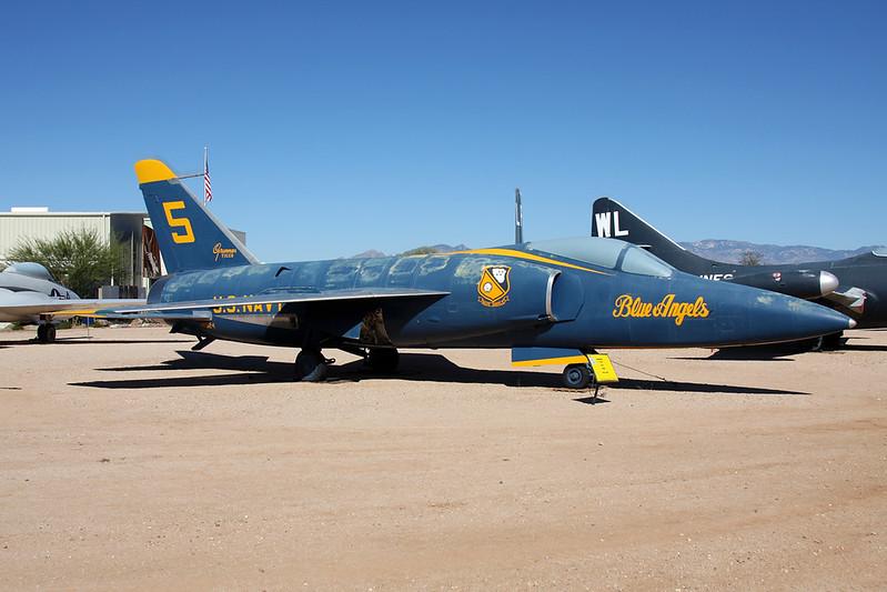 "141824 (5) Grumman F-11A Tiger c/n 141 Pima/14-11-16 ""Blue Angels"""