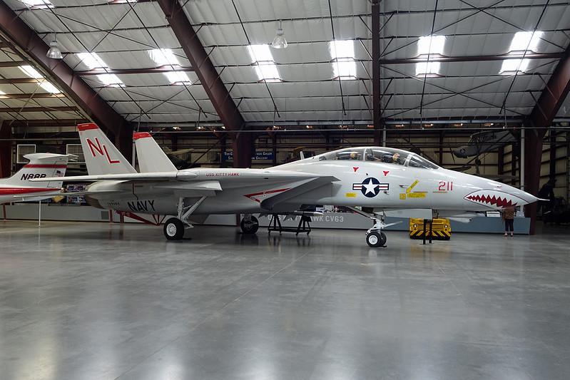 160684 (NL-211) Grumman F-14A Tomcat c/n 303 Pima/14-11-16