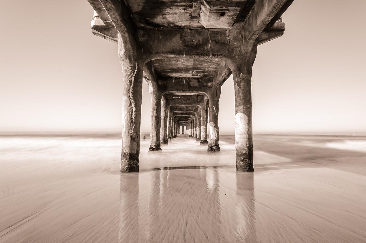 Manhattan Beach Monotone