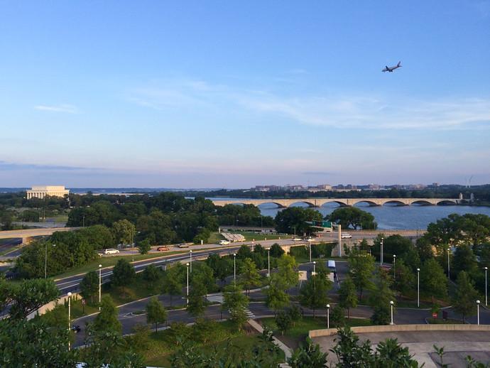 washington dc plane flying