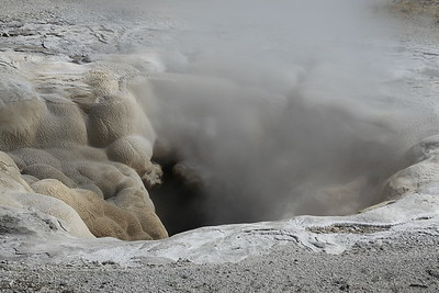 Deep fumarole, Yellowstone