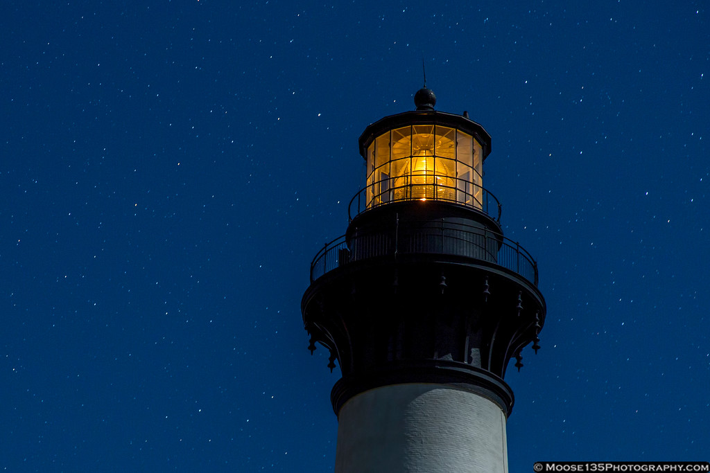 IMAGE: https://photos.smugmug.com/NorthCarolina/Around-North-Carolina/i-Rj5tdH4/0/XL/JM_2016_11_11_Bodie_Island_Lighthouse_003-XL.jpg