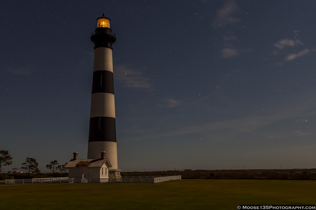 IMAGE: https://photos.smugmug.com/NorthCarolina/Around-North-Carolina/i-vtcfNt7/0/XL/JM_2016_11_11_Bodie_Island_Lighthouse_001-XL.jpg