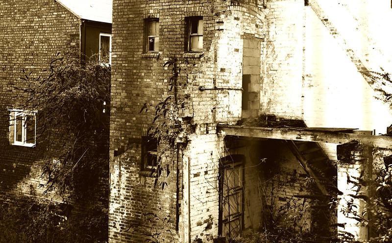 Ruined factory, Northampton