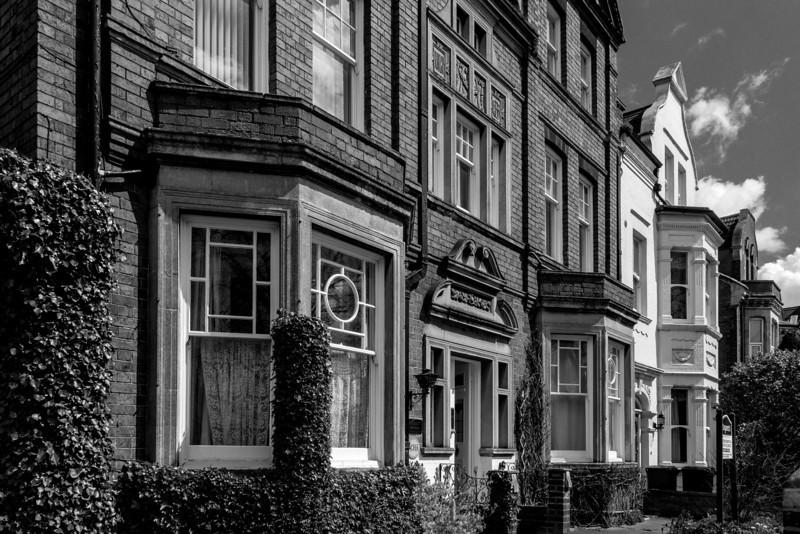 Carved stonework, Kingsley Road, Northampton