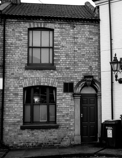 Terraced house that houses the Lamplighter's snug  Northampton