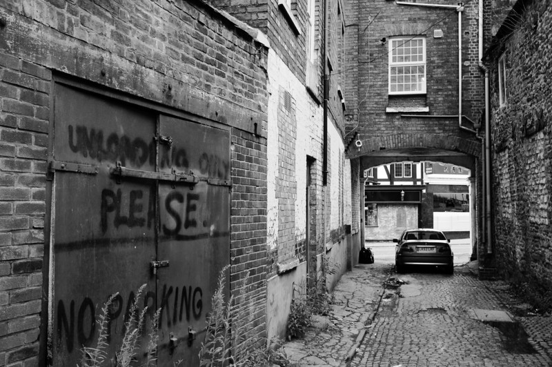 Alley, off Sheep Street Northampton<br /> (opposite the Bear).