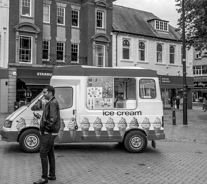 Gallones Ice Cream Van, Market square, Northampton_
