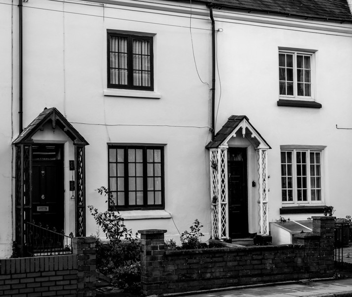 Arts and crafts cottages, Victoria Terrace, York Road, Northampton