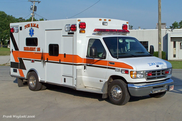 Tanker 104 - 2004 Freightliner/S&S 500gpm/2000gal