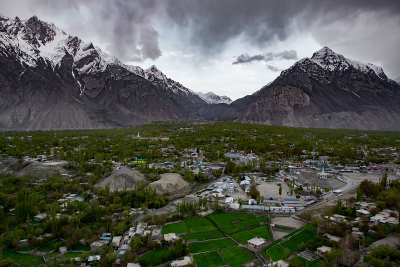 Skardu (Gilgit-Baltistan). Located at the confluence of the Indus and Shigar Rivers. Altitude around 2500 metres.