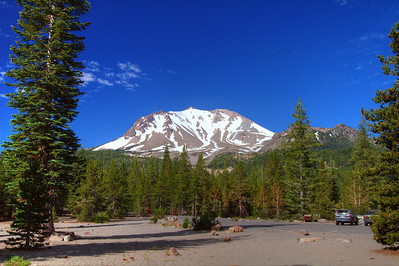 Lassen Peak from rest area IMG_9101_2_3_tonemapped