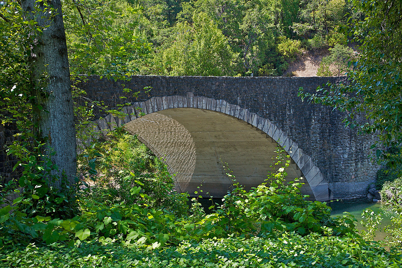 This bridge once carried US 101 - now goes to a small private neighborhood.