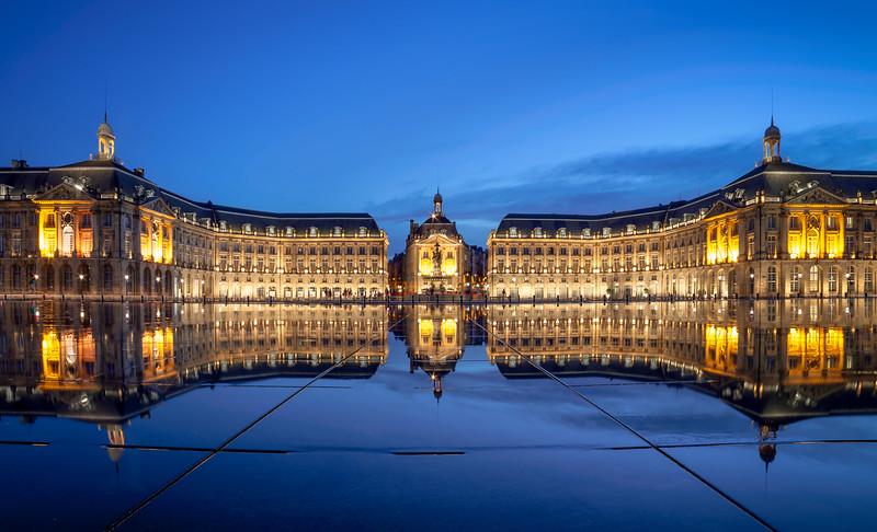 Bordeaux, Place de la Bourse Miroir d eau