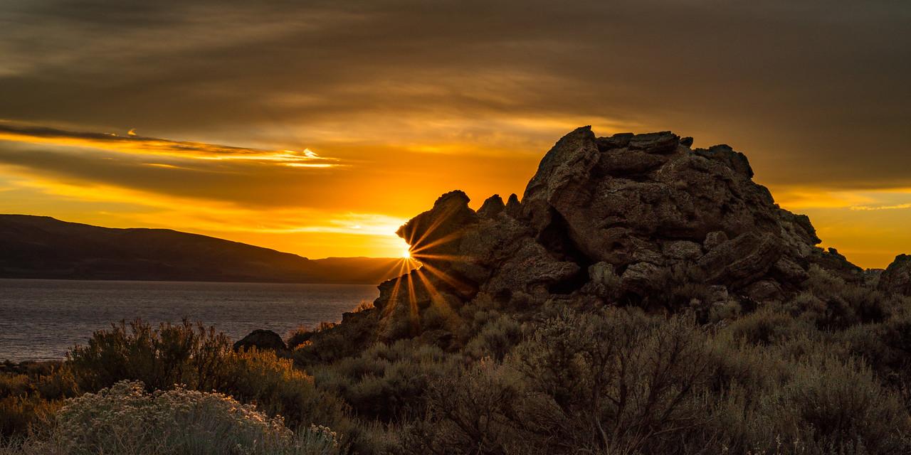 Pyramid Lake Sunrise in November