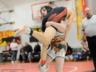 Brent Smith vs Robert Gonzales in the Northern Section Division I finals Saturday, Feb. 18, 2017, at Chico High in Chico, California. (Dan Reidel -- Enterprise-Record)