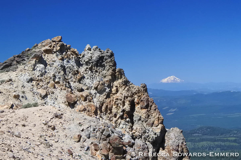Shasta from Brokeoff Summit