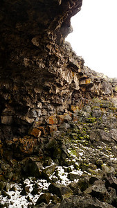 Walls of the collapse area of the tube