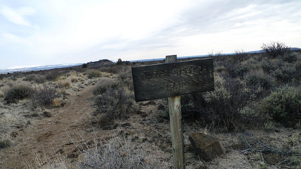 To do something outside of the caves we decided to hike to the Three Sisters. We've been to Lava Beds a ton of times but have never hiked this trail.