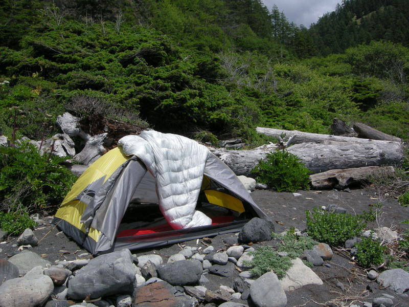 Camp at Shipman Creek<br /> <br /> Letting gear air out from the previous day's damp