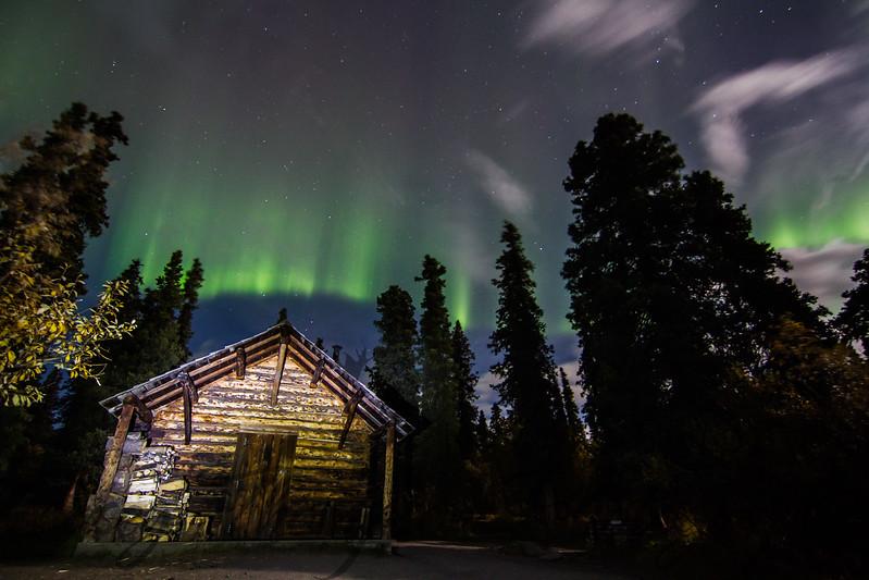 """""""Savage Cabin Aurora"""""""