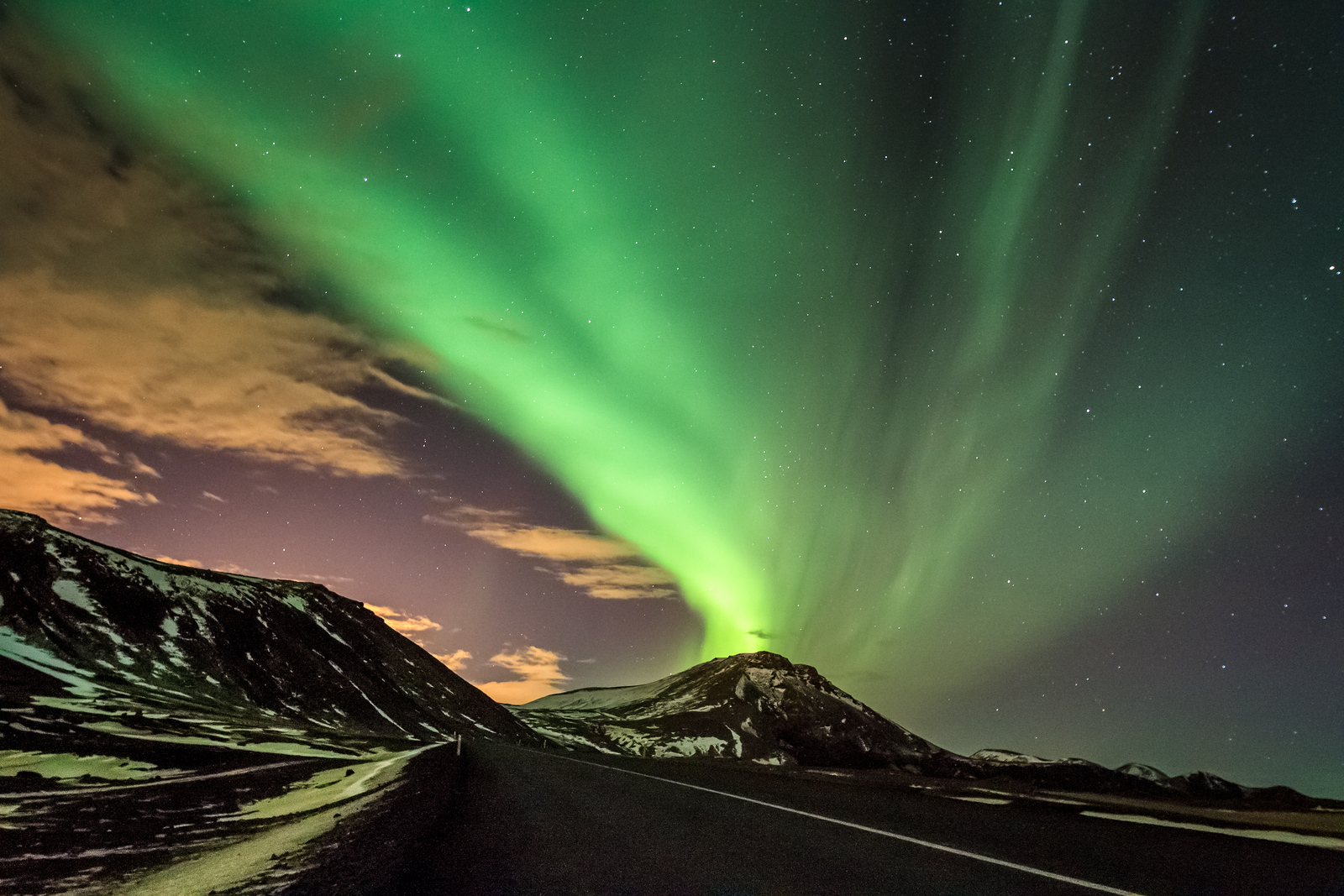 Active Aurora Borealis (7)