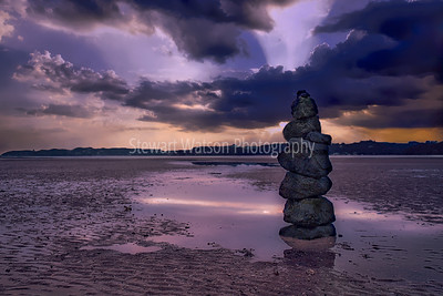 Paihia beach boulders