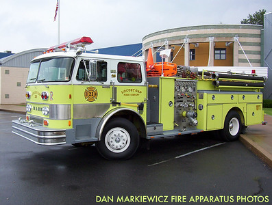 LOCUST GAP FIRE CO. FORMER ENGINE 23 1975 HAHN PUMPER