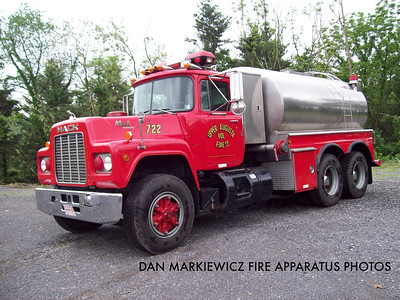 UPPER AUGUSTA FIRE CO. TANKER 722 1988 MACK/4GUYS TANKER