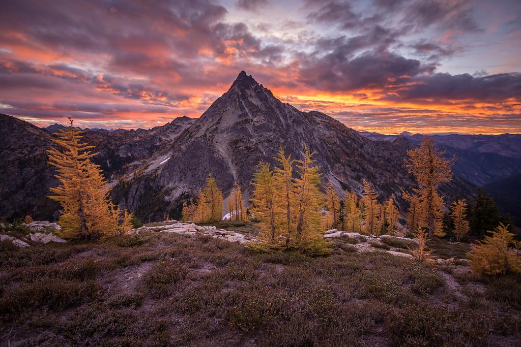 Last Sunrise in the Cascades