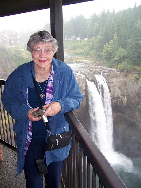 Mom and I took a day trip to Snoqualmie Falls on September 19, 2008.