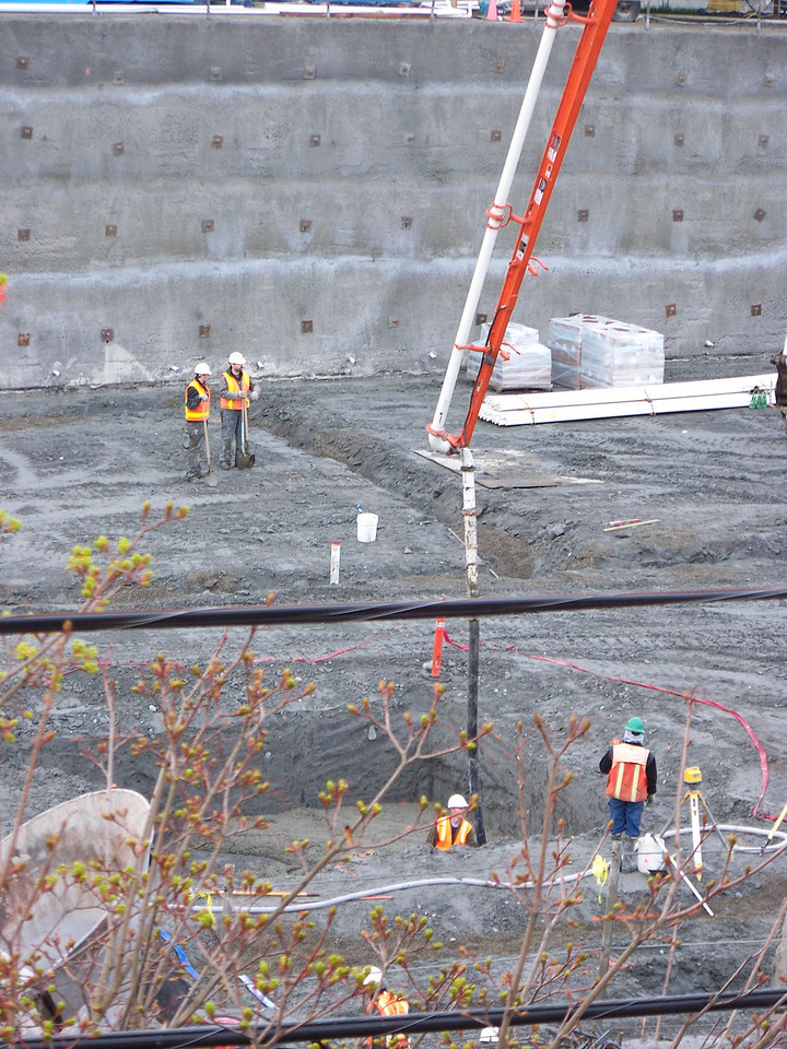 "The pit at center is is where the foundation for the large construction crane will be built.<br /> March 20, 2008.  Ballard's ""On the Park"" apartment bulding."
