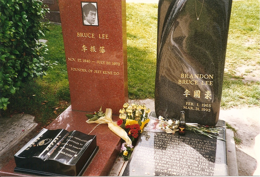 Also in Seattle's Capitol Hill neighborhood, we visited the graves of Bruce Lee and his son Brandon Lee, who are buried in the Lake View cemetery.