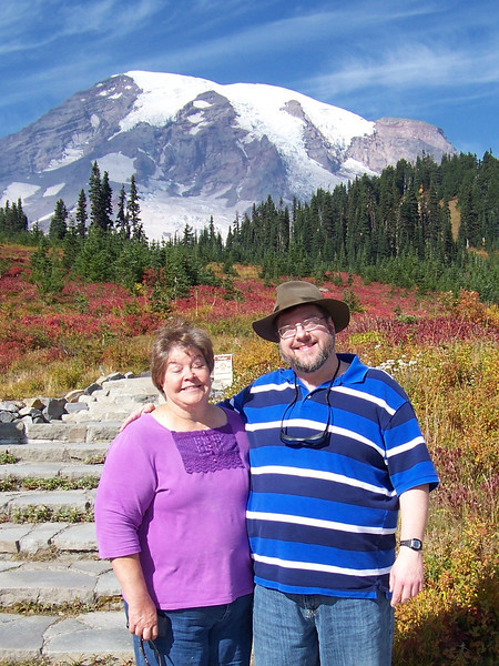 We got really lucky with some unseasonably terrific weather, so we went down to Mount Rainier to check out the fall color.