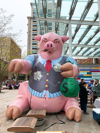 Badass inflatable for a rally to publicize construction industry tax fraud in Director's Park