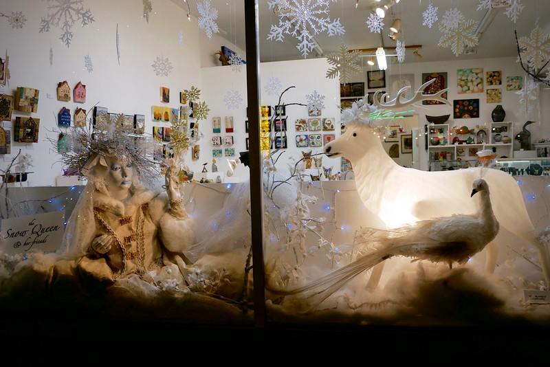 Holiday window display on Alberta
