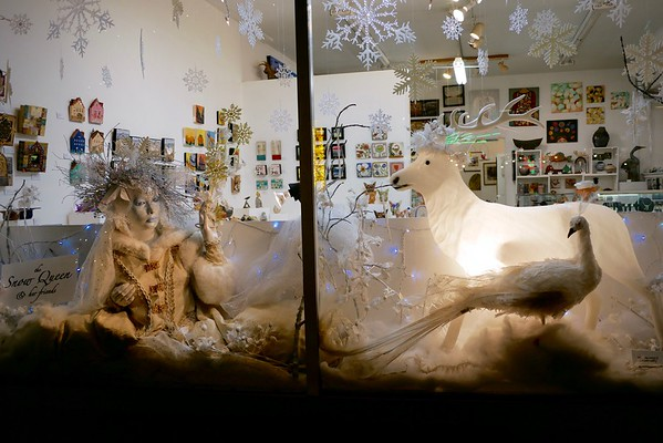 Holiday window display on Alberta