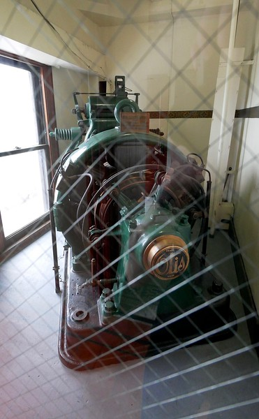 Smith Tower Observation Deck: Otis elevator motor