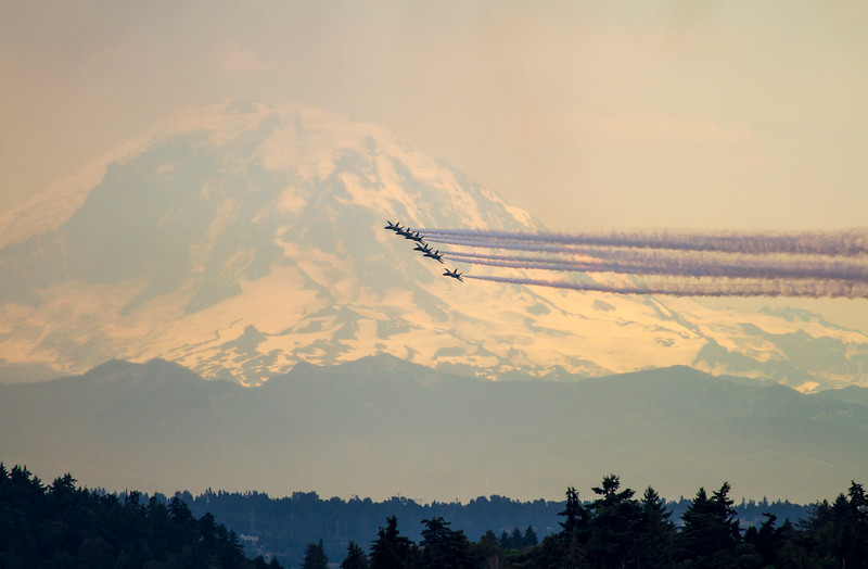 Blue Angels fly past Mt. Rainier at Seafair