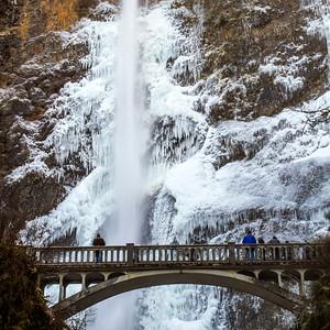 Multnomah Falls, Frozen