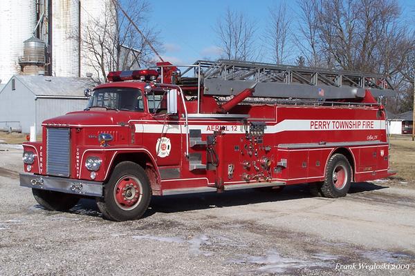 Former Ladder 12 - 1961 Dodge CN/Howe (#11070) - 1000gpm/250gal/65ft Grove Aerial