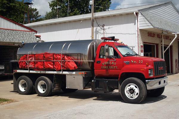 Tanker 22 - 1996 GMC TopKick/Midstate Tank - 1800gal