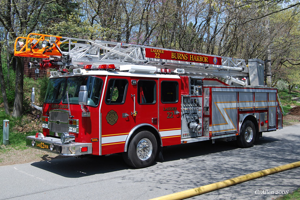 Ladder 3322 - 2006 E-One Typhoon 75ft Quint (#131426) - 2000gpm/500gal