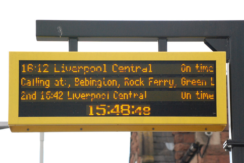 it also has <br /> <br /> Nice digital train displays which plat 2 lacks even the PA doesn't work