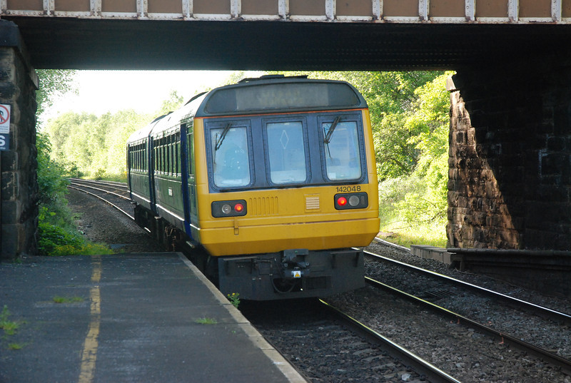 142 048 <br /> <br /> Pulls away from Clifton heading for Bolton