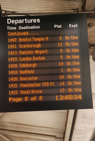 Departures board Manchester Piccadilly Plat 13 / 14 <br /> <br /> Showing the Departure for Manchester Utd platform
