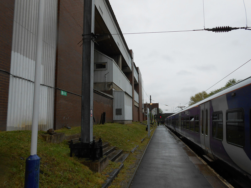 Picture by Liz <br /> <br /> Heading towards the bottom of the Manchester Piccadilly end of the Platform now