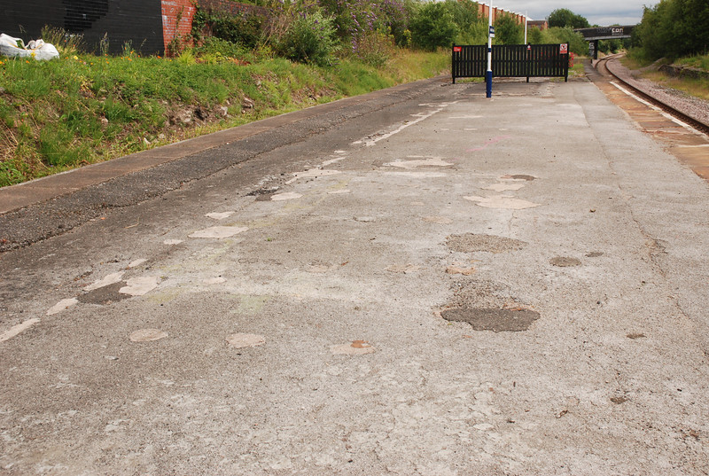 A picture showing the rough state of the platform at Denton
